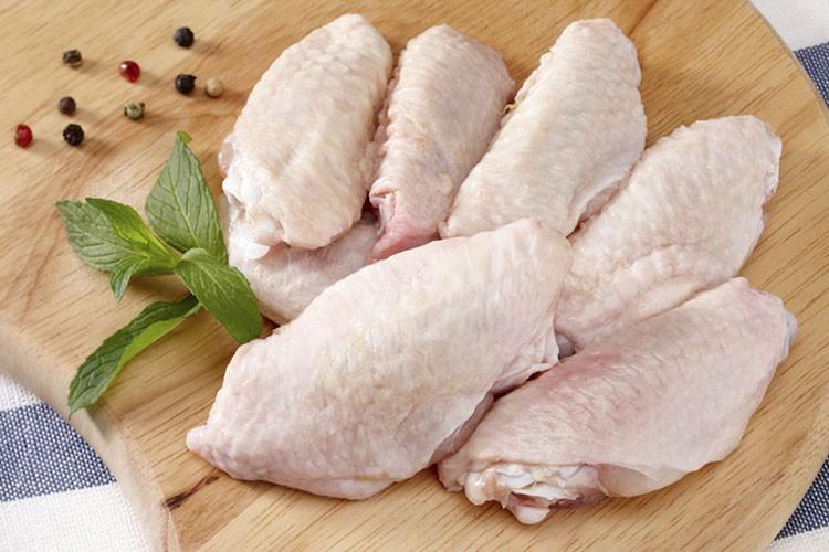 هشدار درباره مضرات خوردن بال و گردن مرغ برای همه