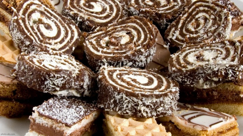 شیرینی خرمایی با بیسکویت