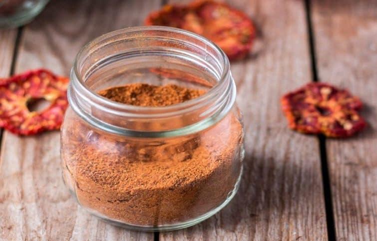 نحوه ی خشک کردن گوجه فرنگی و کاربرد آن در آشپزی