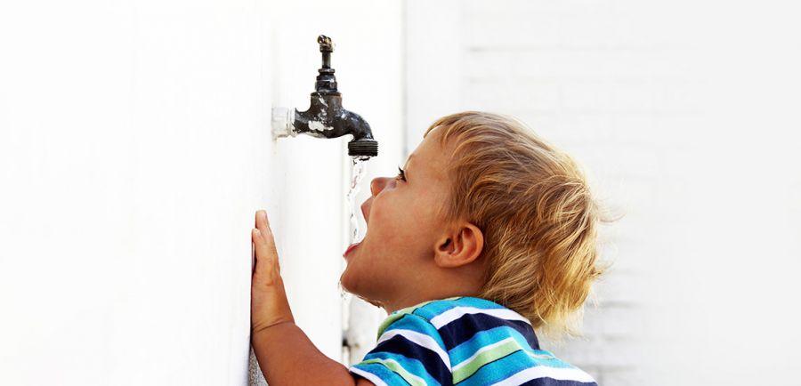 علامت های نگران کننده کمبود آب بدن