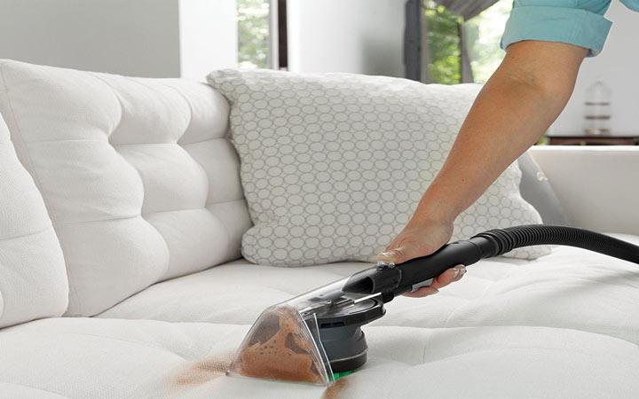 کم هزینه ترین روش برای شستشوی مبلمان در منزل
