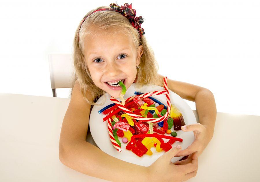 10 ماده غذایی که نباید به نوزاد و کودک بدهیم