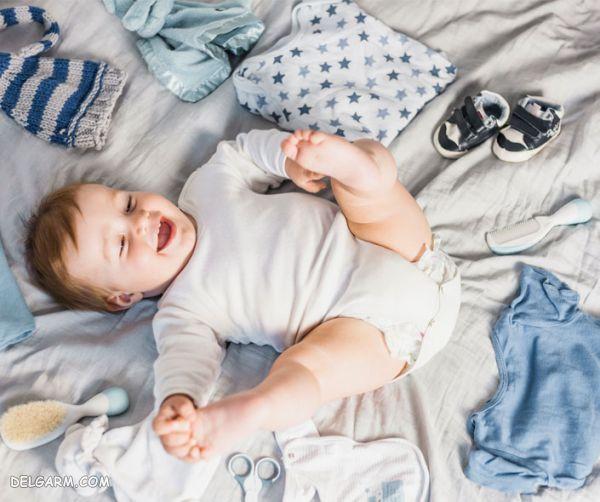 ۶ روش صحیح برای پاک کردن لکه مدفوع از لباس نوزاد
