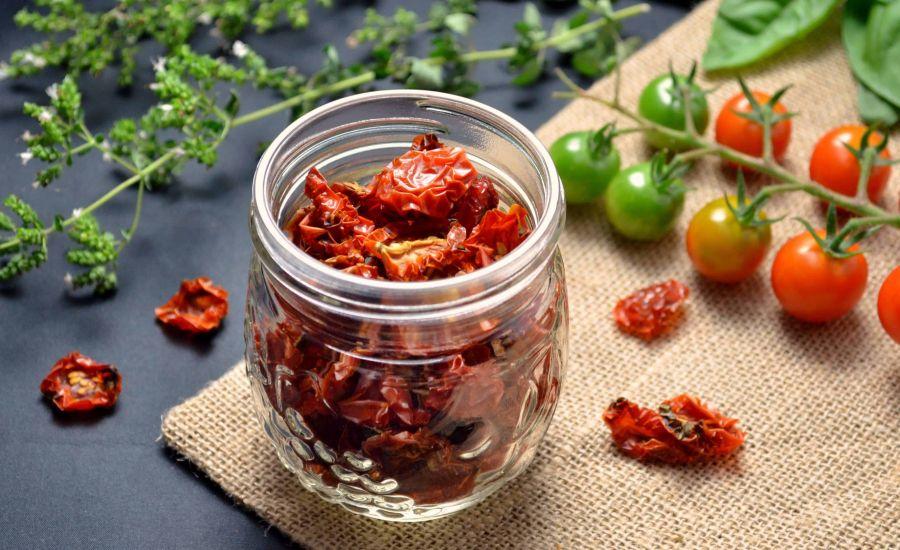 روش های آسان برای خشک کردن گوجه فرنگی