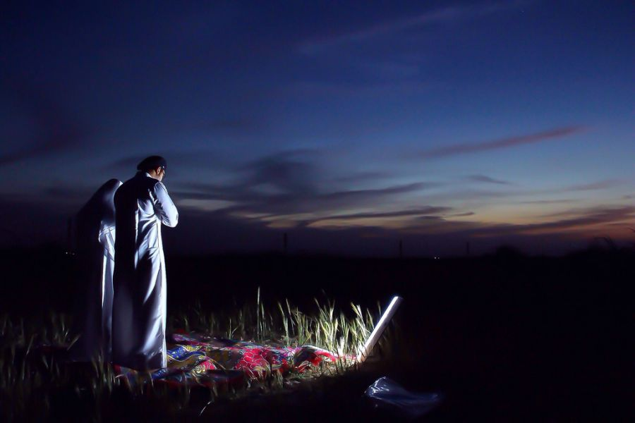 نماز تهجد چیست و چگونه خوانده میشود؟