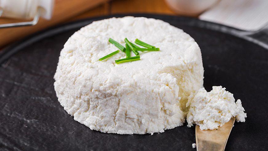 پنیر لبنه چیست، چه خواصی برای بدن دارد و چطور تهیه می شود؟
