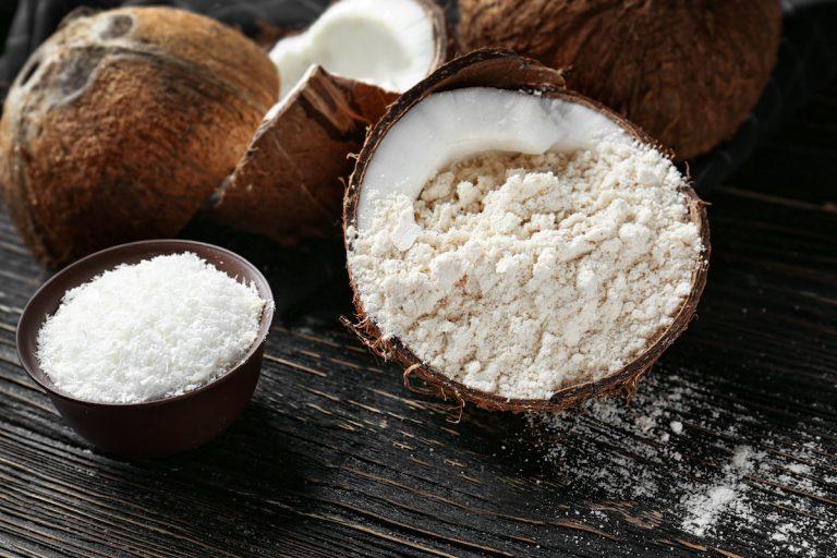 آرد نارگیل ؛ خواص، ارزش غذایی و هر آن چه که باید در مورد این ماده غذایی بدانید