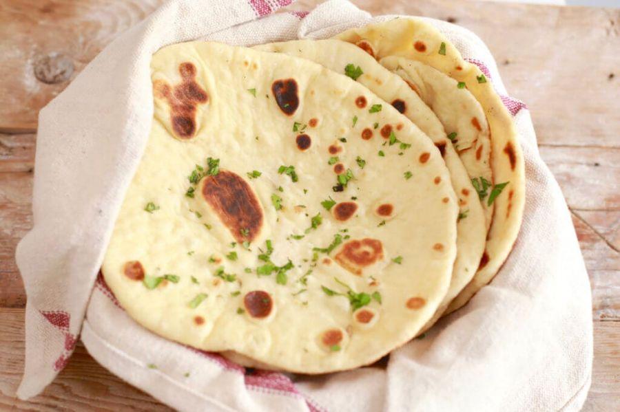 طرز تهیه چند نوع نان مسطح با خمیرترش و استارتر خمیرترش با آرد سبوسدار