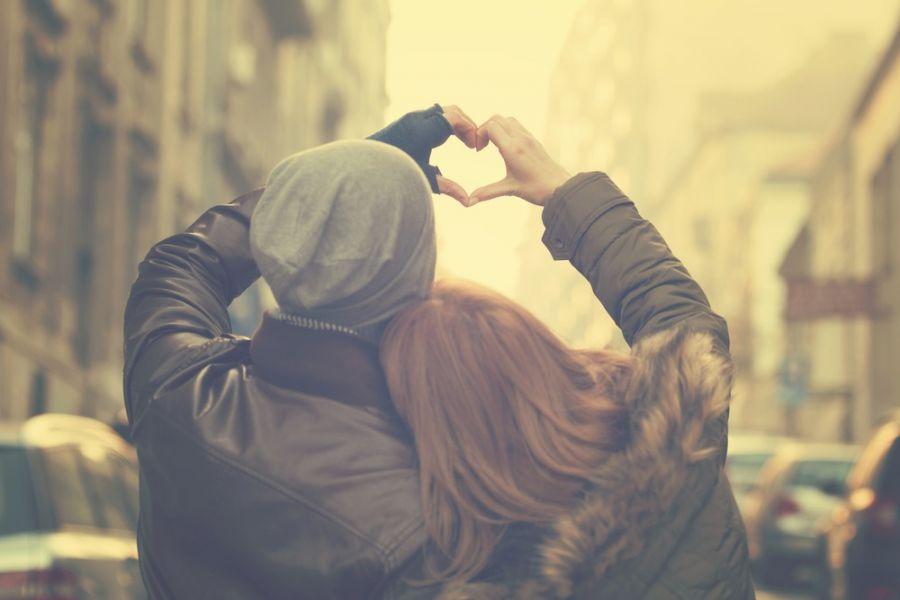 عشق چیست ؟ تعریف عشق در روانشناسی