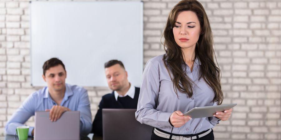 آزار جنسی در محل کار : گزارشی مستند از آزار جنسی ۹ زن در محل کار