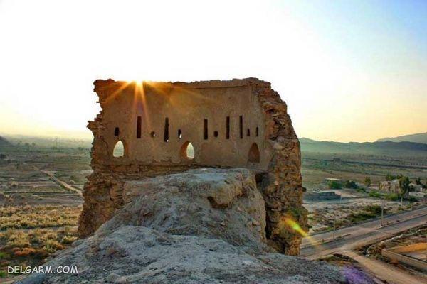قلعه فین، تاریخ بر فراز شهر در بندرعباس