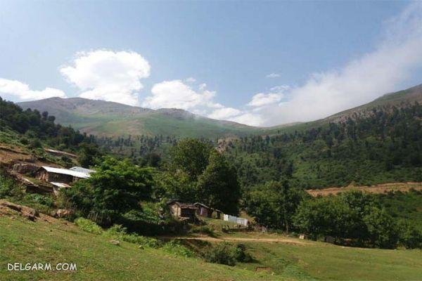 منطقه ییلاقی دشت النزه ، بوی چوب و باران در گیلان