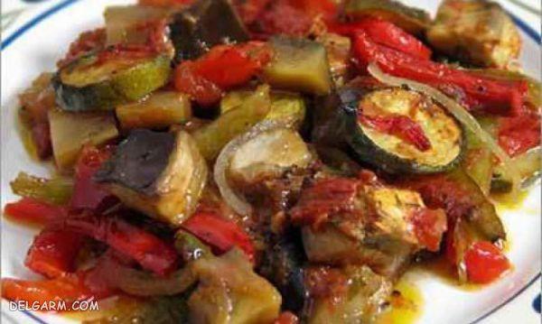 خوراک رژیمی بادمجان و سبزیجات