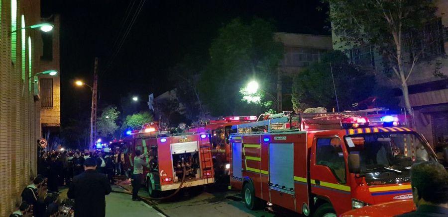 آتش سوزی در بازار تبریز سرای ایکی قاپیلی ( لوازم آرایش) + تصاویر