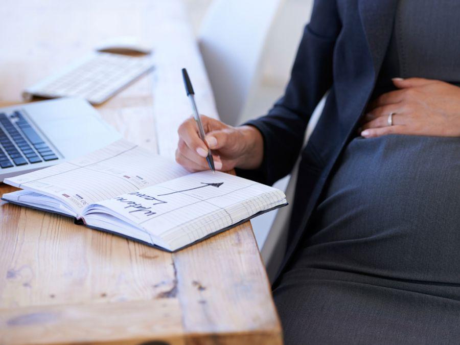 سوالات رایج خدمات تامین اجتماعی برای کمک هزینه بارداری
