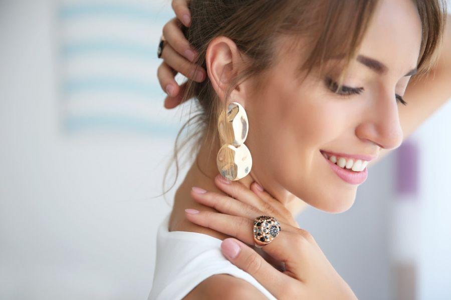 ۲۰ مدل جدید گوشواره نامتقارن زیبا و شیک