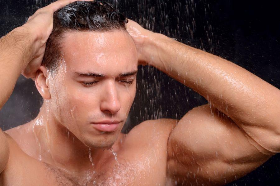 عوارض جدی هر روز دوش گرفتن چیست ؟