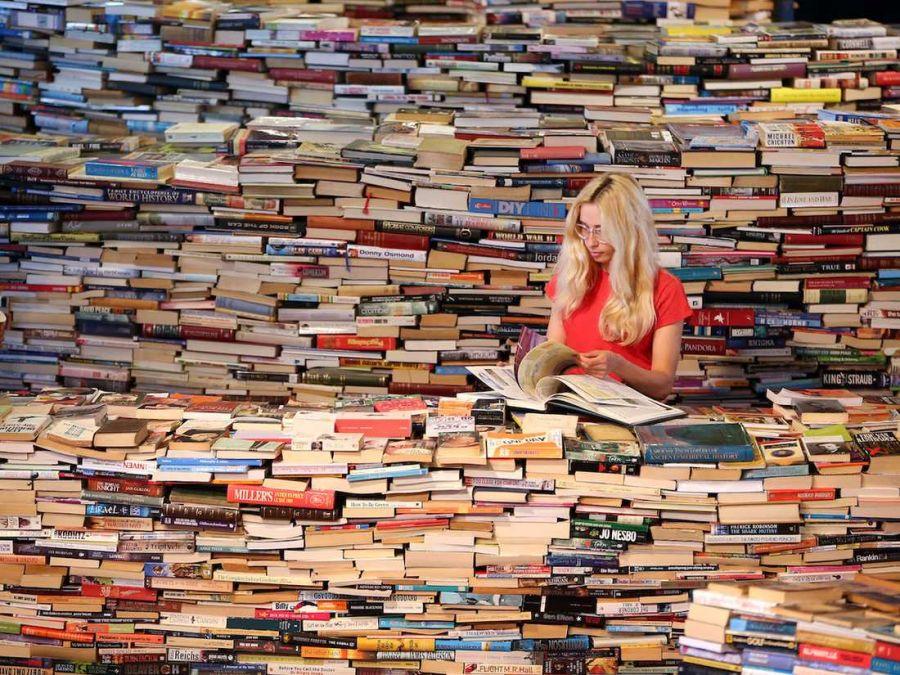 روز کتاب و کتابخوانی و کتابدار سال ۹۸ چند شنبه است ؟
