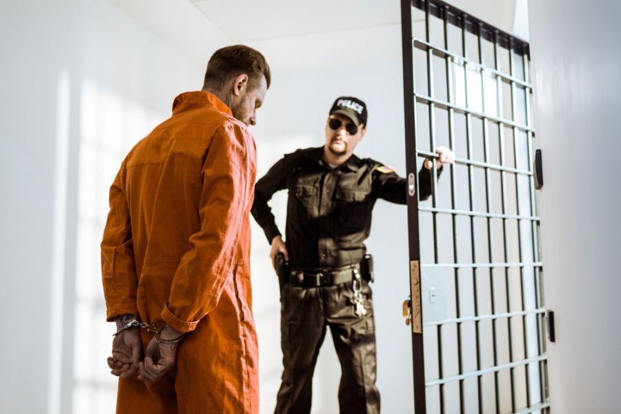 فرق بین متهم با مجرم چیست ؟