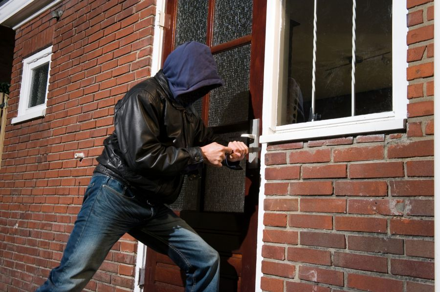 انواع سرقت در قانون ایران چه مجازاتی دارد ؟
