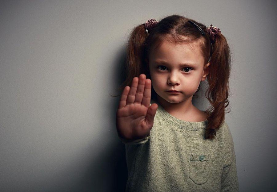 انواع کودک آزاری در قانون چه مجازاتی دارد ؟