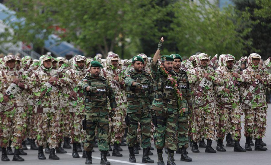عذرخواهی ارتش از عکاسان خبری