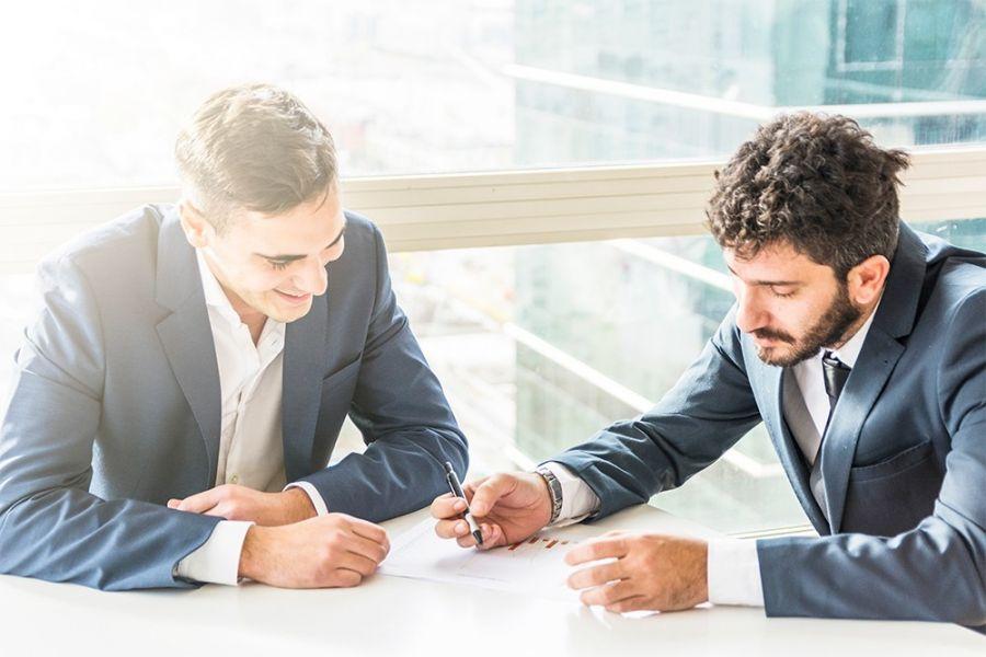 معامله به نمایندگی از دیگران چه شرایطی دارد ؟