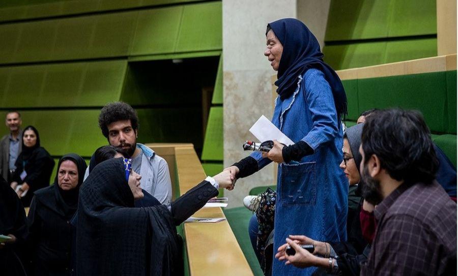 حضور قربانیان اسید پاشی در جلسه علنی مجلس + عکس
