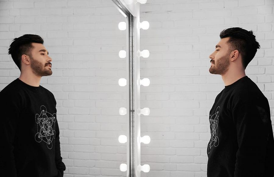 بیوگرافی علی یاسینی خواننده مشهور نسل جوان + عکس و فیلم