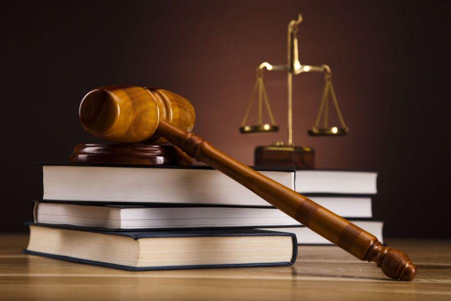 صدور حکم و تعویق آن در قانون مجازات اسلامی چگونه است ؟