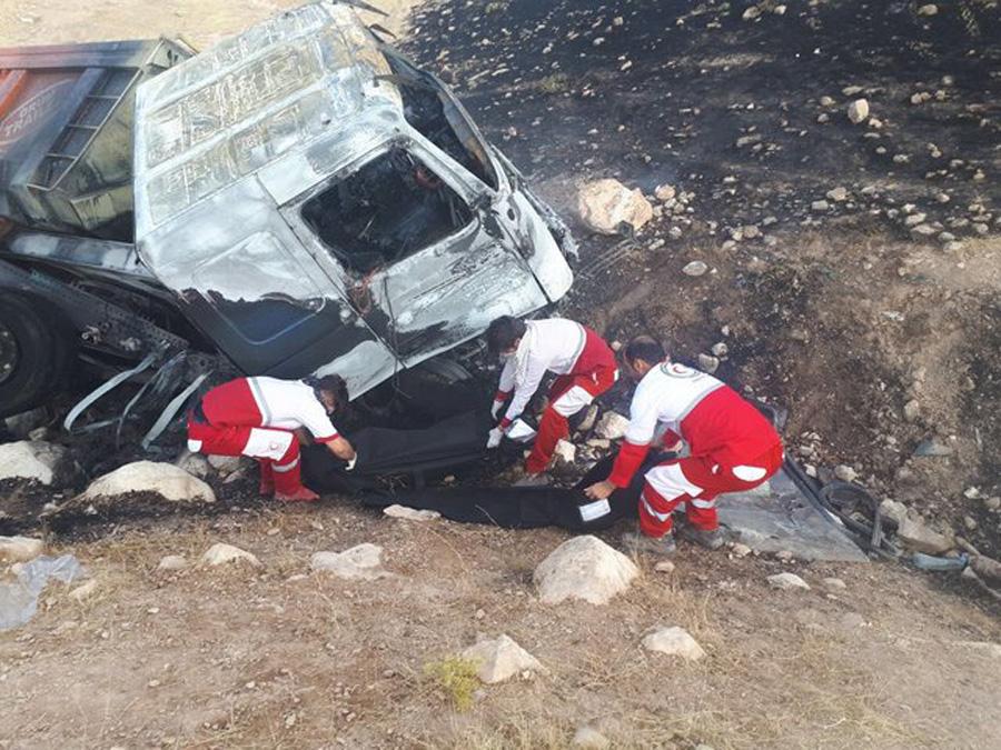 تصادف تریلر و اسپورتیج در جاده هفتکل اهواز ۵ کشته برجای گذاشت
