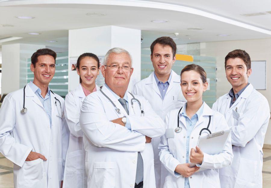 همه آنچه که باید در مورد بیمه مسئولیت پزشکان و پیراپزشکان بدانید