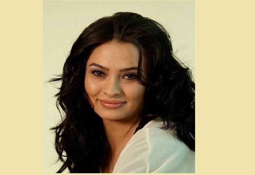 مارینا گلبهاری بازیگر اهل افغانستان کیست ؟