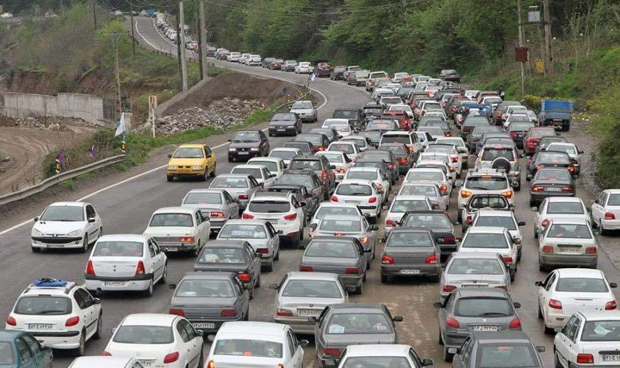 ترافیک نیمه سنگین و هوای بارانی در جاده هراز