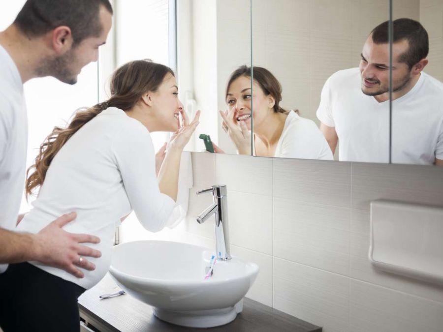 مراقبت از پوست در دوران بارداری با محصولات مناسب