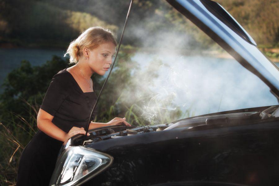 داغ کردن ماشین : ۷ دلیل بالا رفتن دمای آب سیستم خنک کننده خودرو