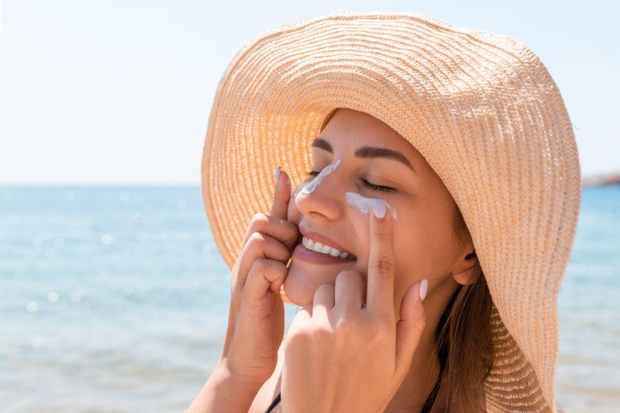 ۱۱ ضد آفتاب گیاهی و طبیعی برای محافظت از پوست