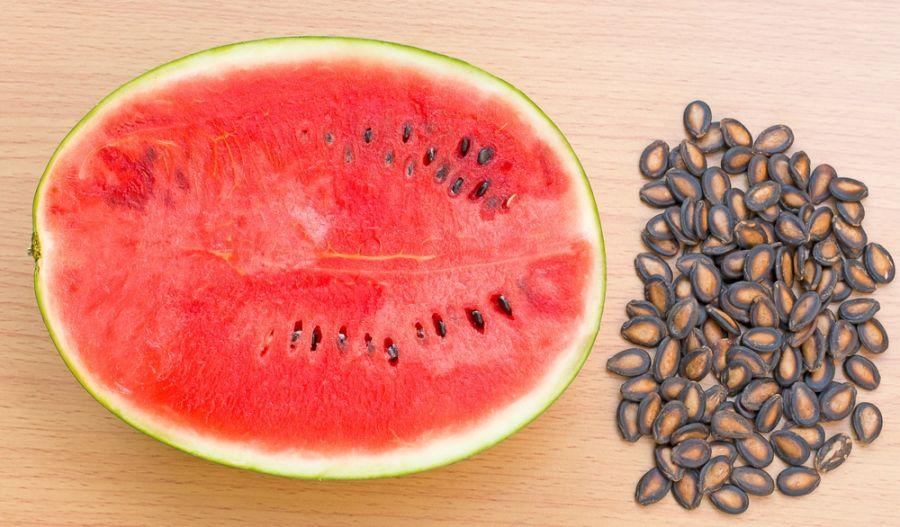 خواص و مضرات مصرف تخم هندوانه