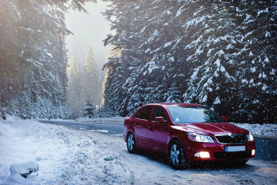 ۱۰ روش آماده سازی خودرو برای سفر در زمستان