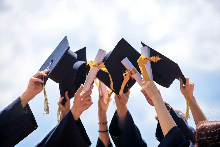 چگونه در دانشگاه بهترین باشیم ؟ راهکارهای طلایی موفقیت در دانشگاه
