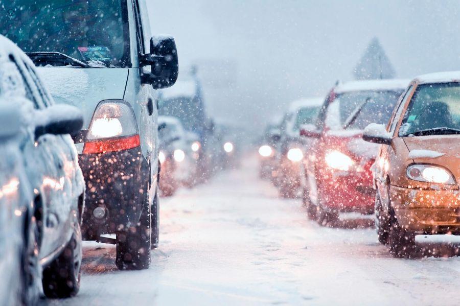 نکات و تکنیک های طلایی رانندگی در برف و بوران