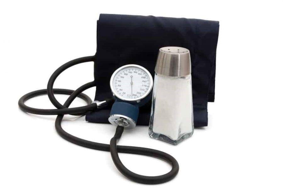 آشنایی با اثرات زیانبار مصرف نمک بر فشار خون