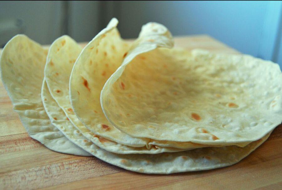آشنایی با کالری، ارزش غذایی و مضرات نان لواش + طرز تهیه