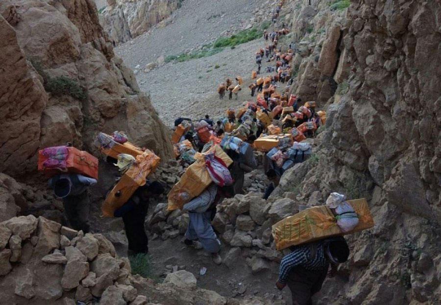 کولبری چیست ؟ روایت زندگی کولبران در ایران