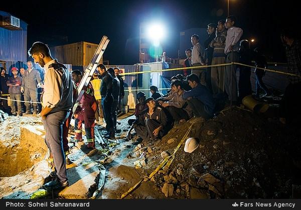 تصاویر ریزش تونل مترو در میدان قیام