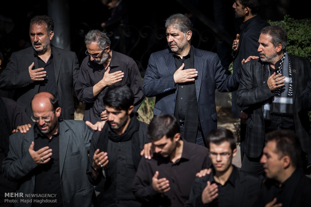عزاداری و اقامه نماز ظهر عاشورا در تبریز