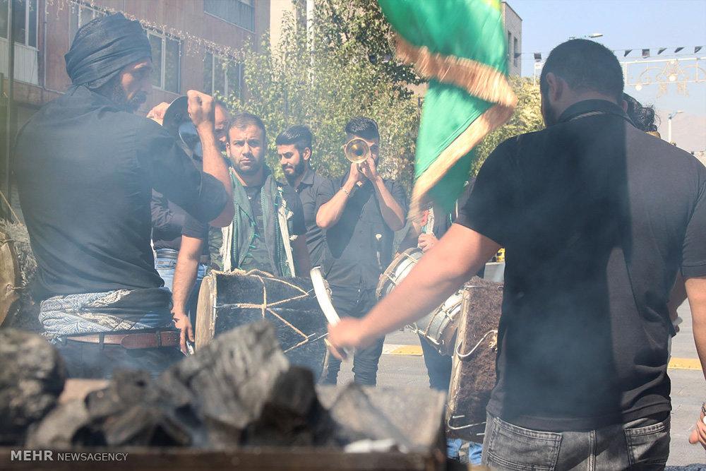تصاویر مراسم عزاداری روز عاشورا در خیابان شریعتی تهران