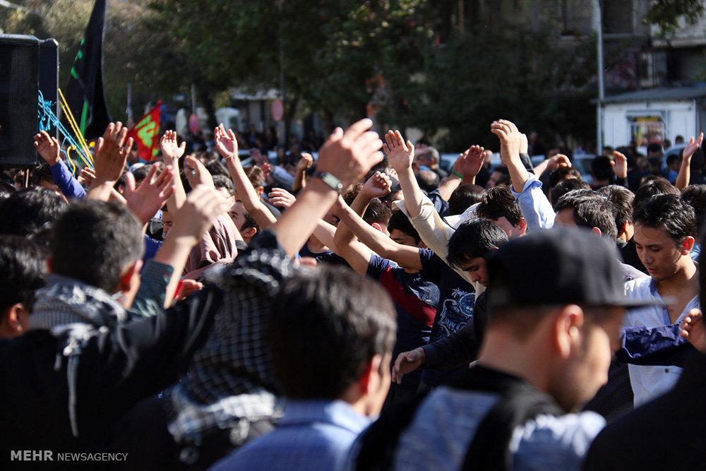 عزاداری مهاجران افغان مقیم تهران در روز عاشورا