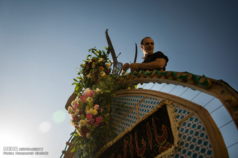 آئین سنتی نخل گردانی در شاهرود