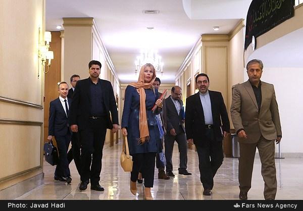 دیدار الیزابت بین کوفسا با وزیر امور خارجه